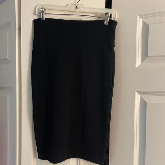 Black LulaRoe midi skirt
